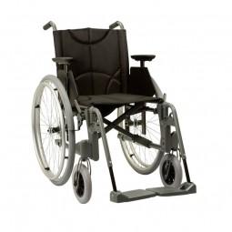 Etac Leichtgewichtrollstuhl M100 (Sitztiefe 46 cm)