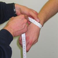 Maßhilfe Handgelenk